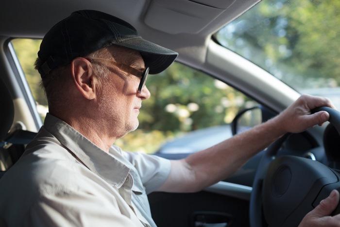 Какие льготы на траспортный налог для пенсионеров