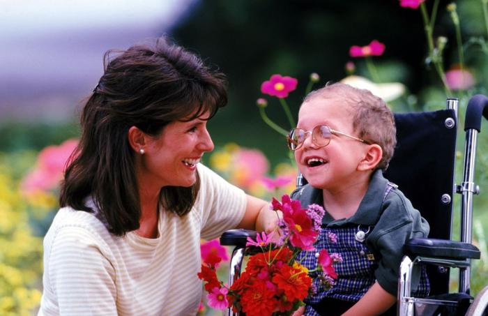 Кому положены льготы за детей-инвалидов