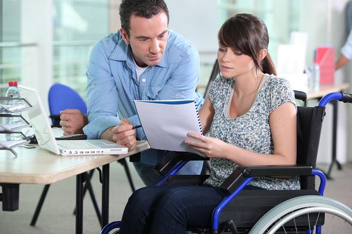 В каких случаях инвалид может получить социальное пособие