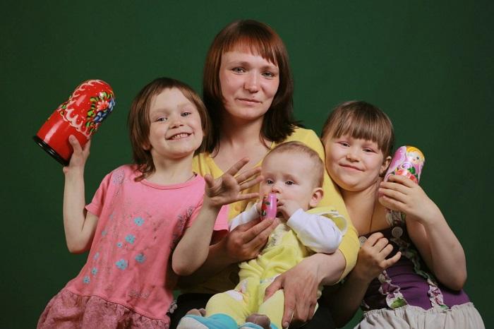 Виды помощи, начисляемой многодетным родителям