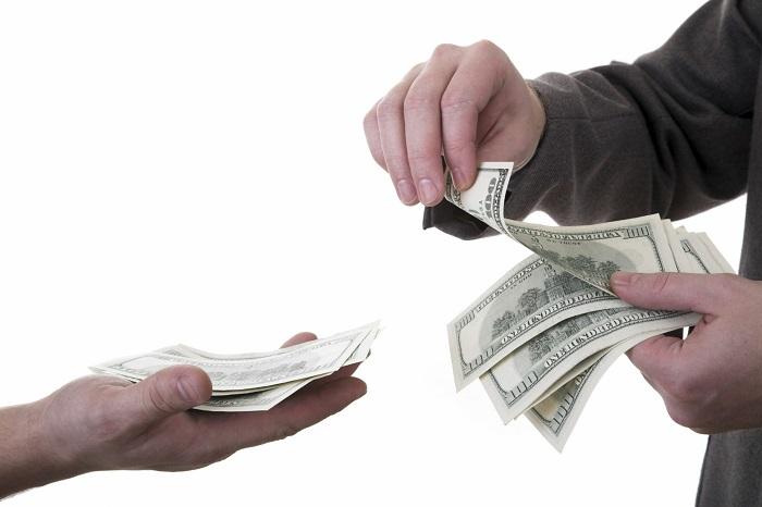 Стоит ли брать деньги в долг?