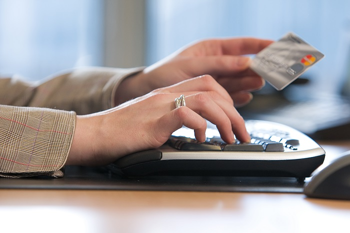 Компании, предлагающие получить займ на кредитную карту