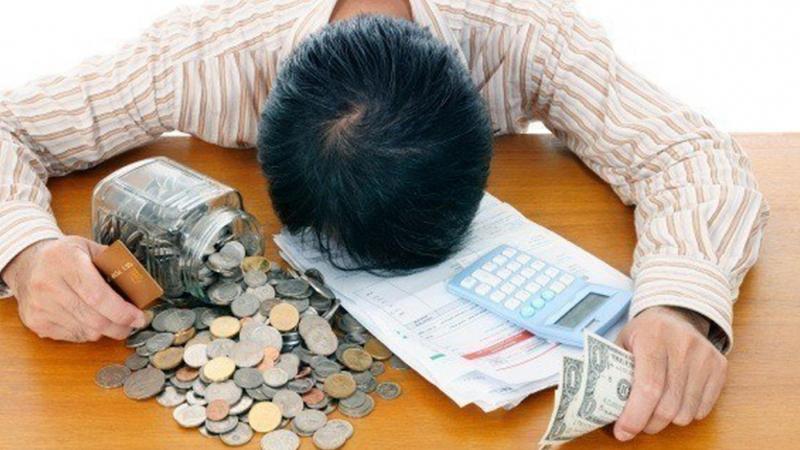 Неуплата по микрозаймам и банковским задолженностям