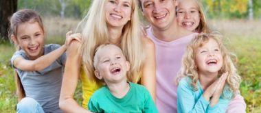 Какие положены льготы опекунам несовершеннолетних детей?