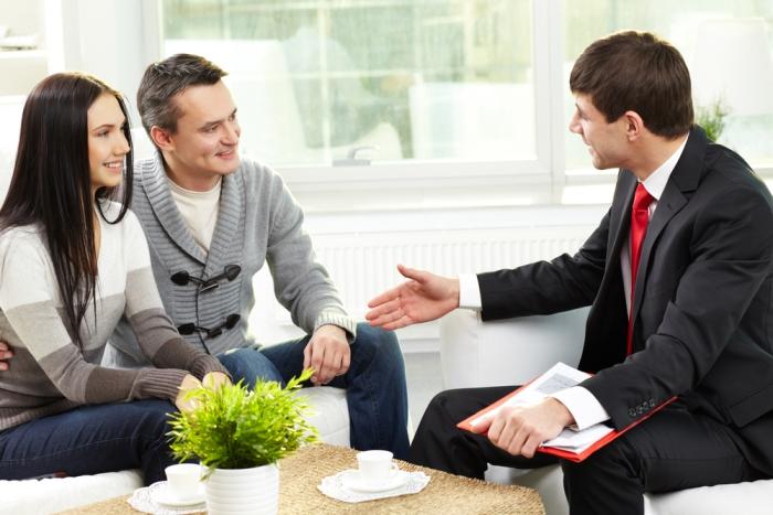 Стоит ли пользоваться услугами кредитного брокера?