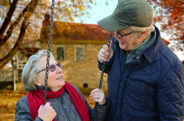 Какие льготы у работающих пенсионеров