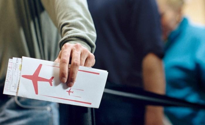 Льготы пенсионерам на авиабилеты в 2016 году