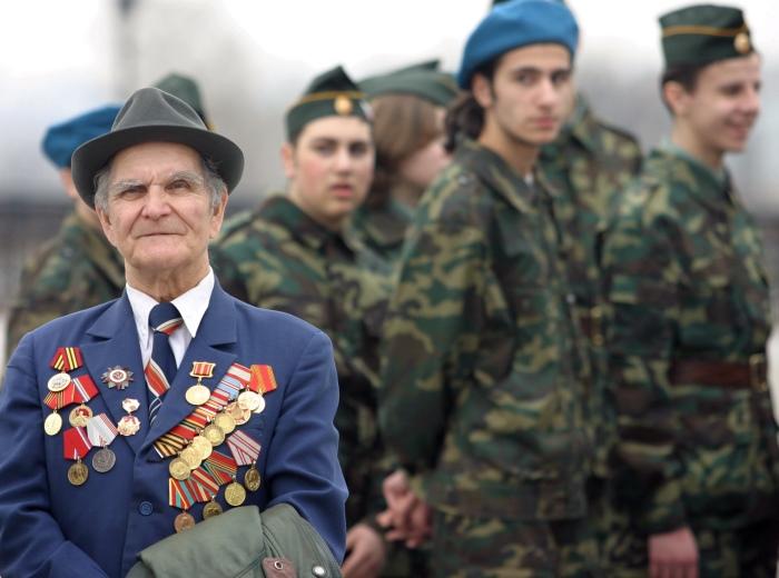 Какие военные пенсии в России