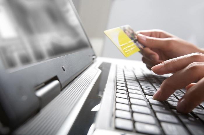 Долг в компании «Центр займов» - оплата банковской картой через интернет