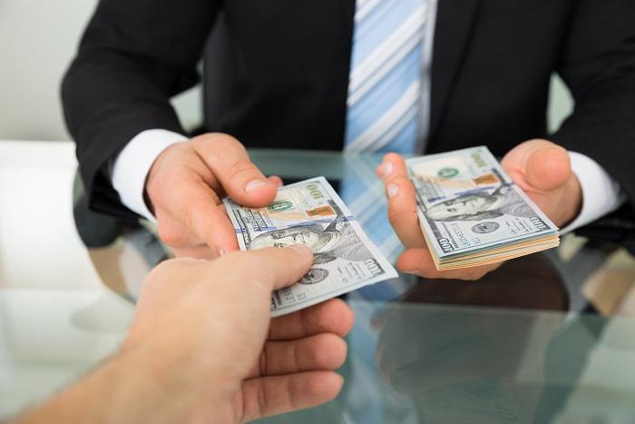 Получить деньги из частных рук