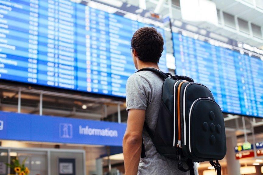 Когда приставы запрещают выезд за границу?